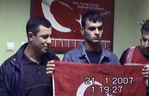 Astsubay Ustaoğlu Bayraklı Ogün Samast Fotoğrafını Anlattı - Elif Akgül - bianet