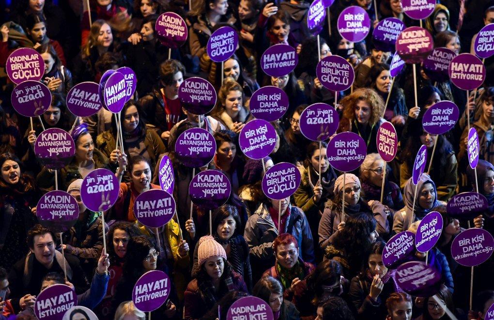 Kadınlar Mücadele Ediyor, Erkek Şiddeti Yargılanıyor - Evrim ...
